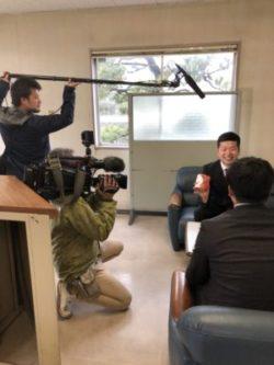 浜田紙業に石川テレビの取材が来ました