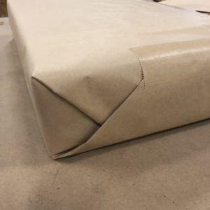 グリーンパーチ紙はクラフト紙に厳重に包みます!