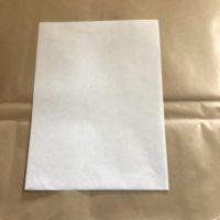 純白ロール紙は清潔感に溢れる包装紙でパン・シャツ・くつなどの包装紙として幅広い用途があります。