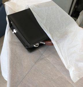 薄葉紙は靴やカバンを包装する紙です