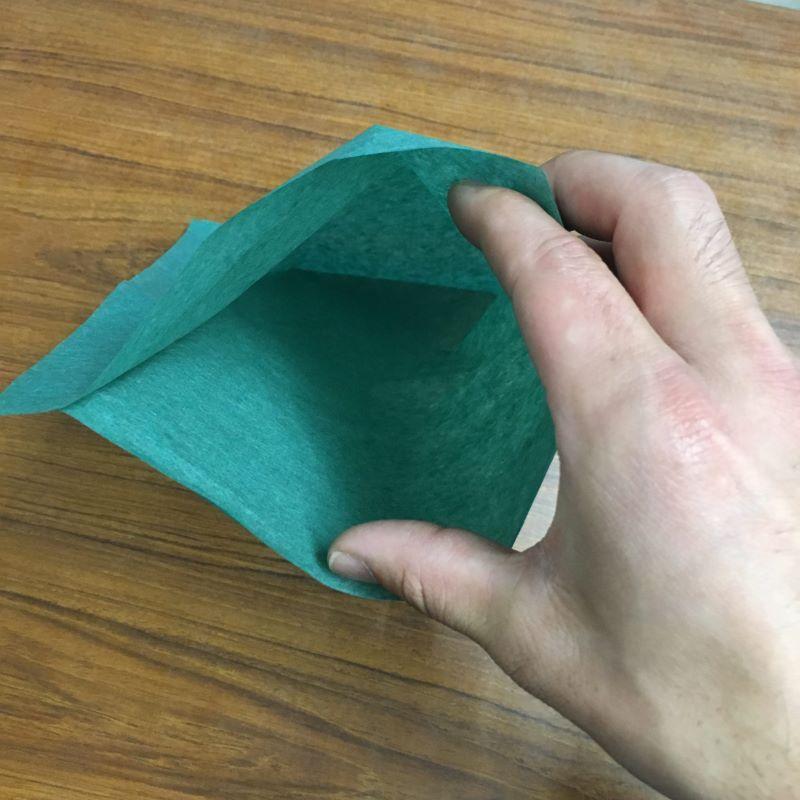 パーチパック包装紙は魚を包む緑の紙です