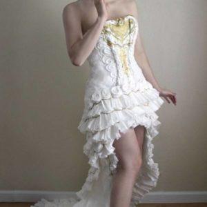 トイレットペーパーのドレスです