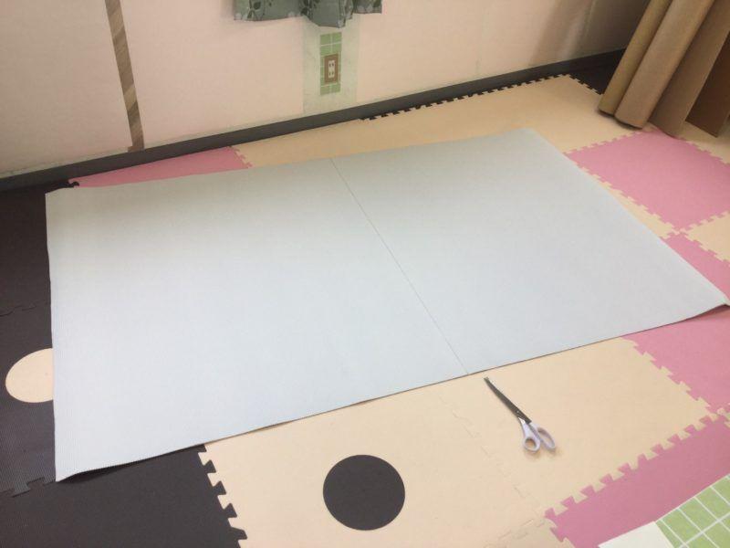 片面ダンボール板の白です