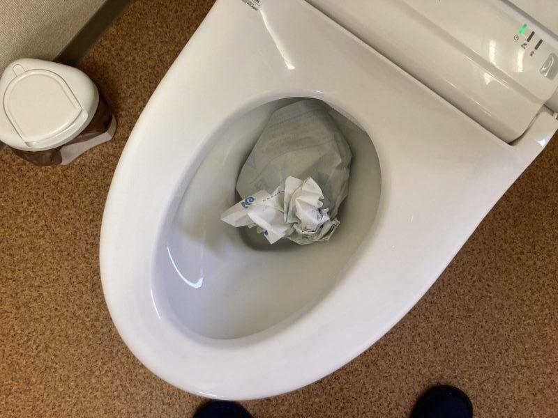 トイレマットは水に流れます